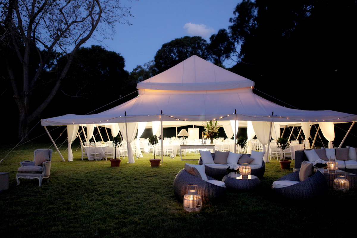 Marque on the lawns